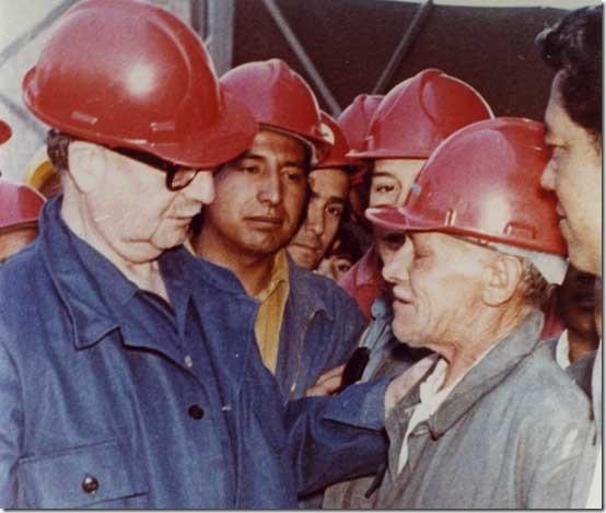 Salvador Allende con i minatori