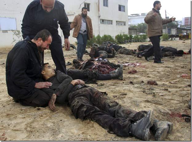 Bombardamenti israeliani su Gaza a Natale