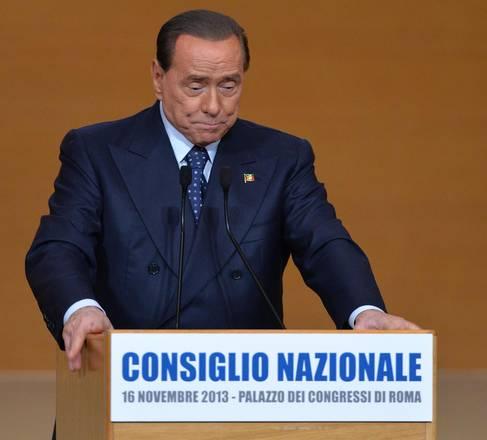 Berlusconi parla della scissione e si commuove