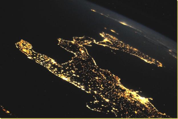 body_sud-italia-satellite-notte
